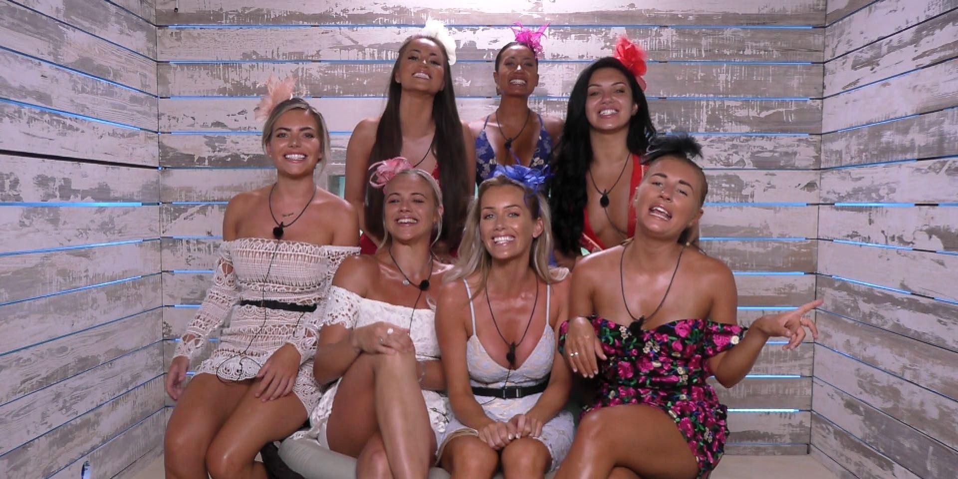 Love Island TX 49 – girls in the Beach Hut