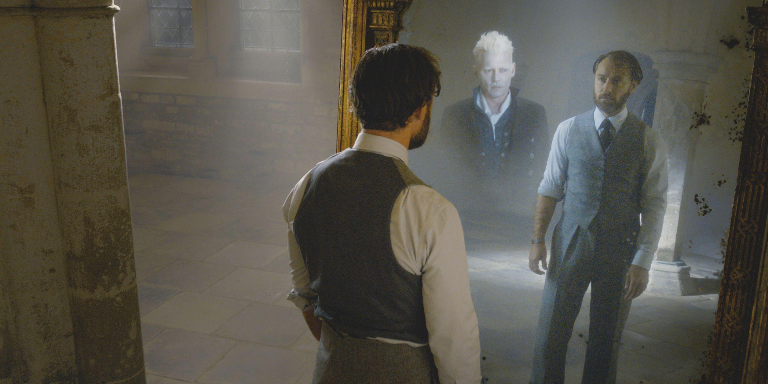 Johnny Depp, Jude Law, Albus Dumbledore, Gellert Grindelwald, Fantastic Beasts: The Crimes of Grindelwald