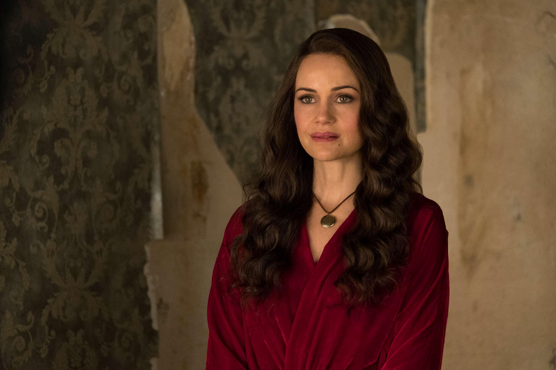 Carla Gugino, The Haunting of Hill House, Season 1