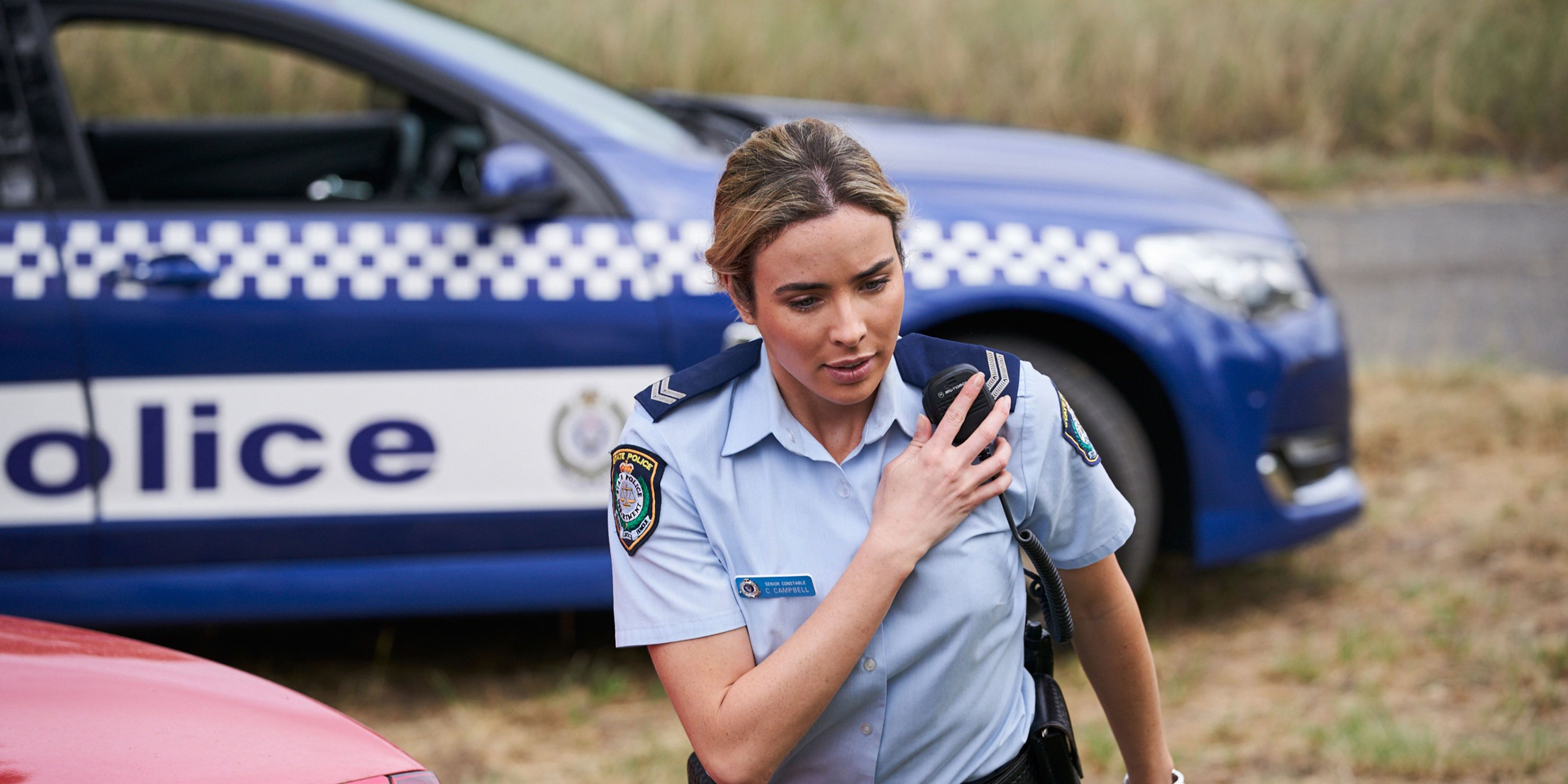 Chelsea Campbell, Colby Thorne, Dean Thompson, Ryder Jackson and Coco Astoni team up to rescue Raffy Morrison in Home and Away