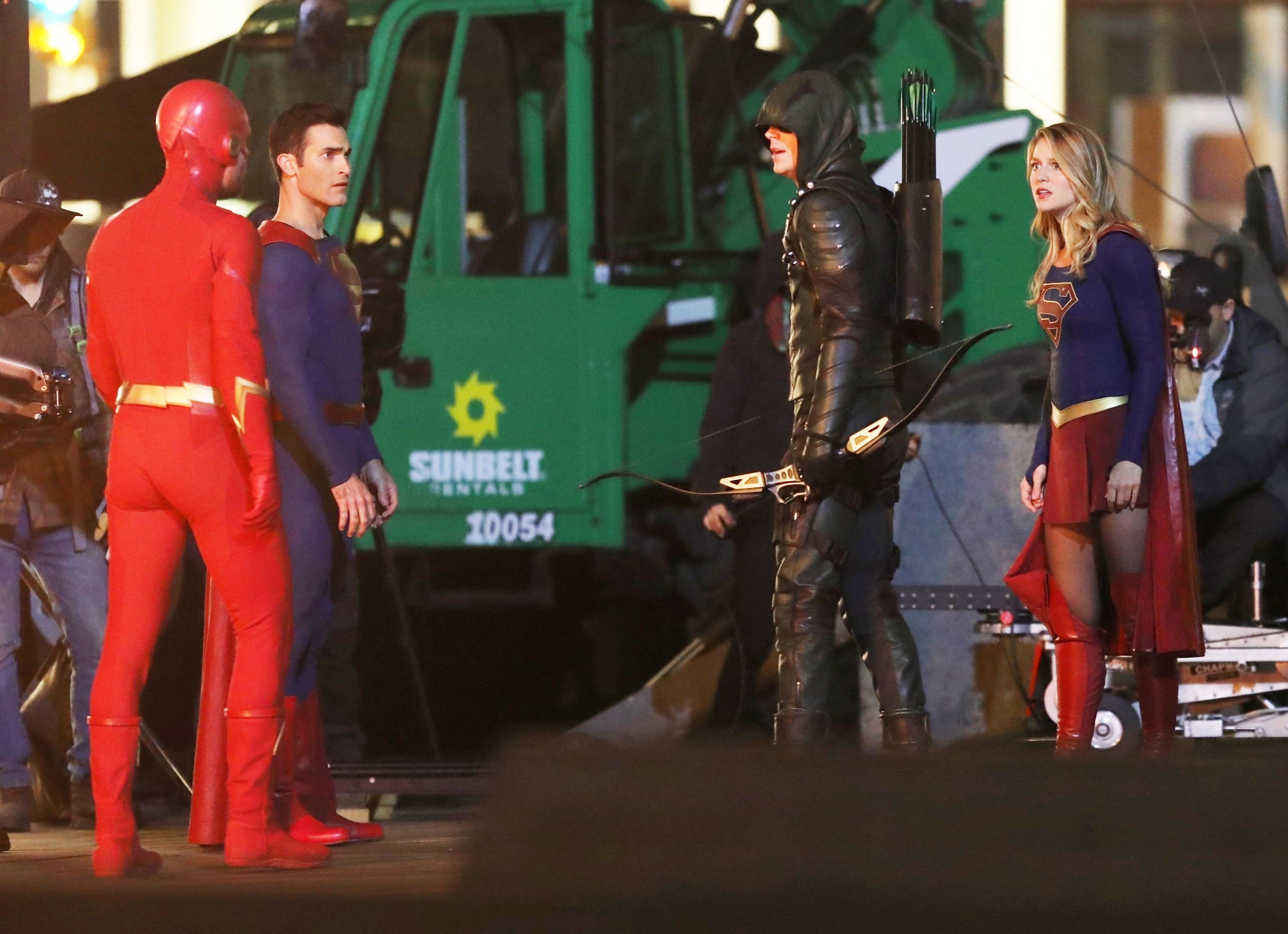 See Arrow, Flash, Supergirl and Superman team up in DC TV