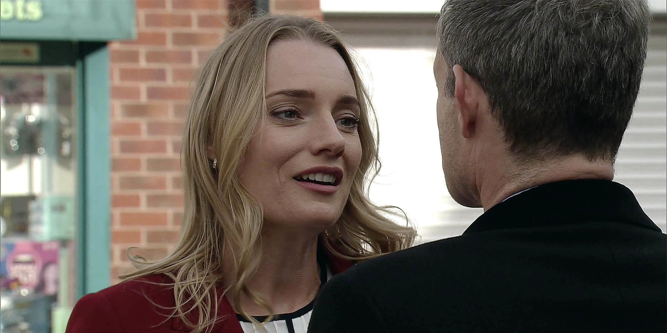 Elsa arrives to see Nick Tilsley in Coronation Street