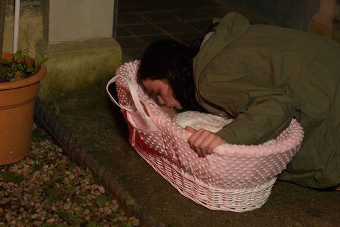 Hayley Slater abandons her baby in EastEnders