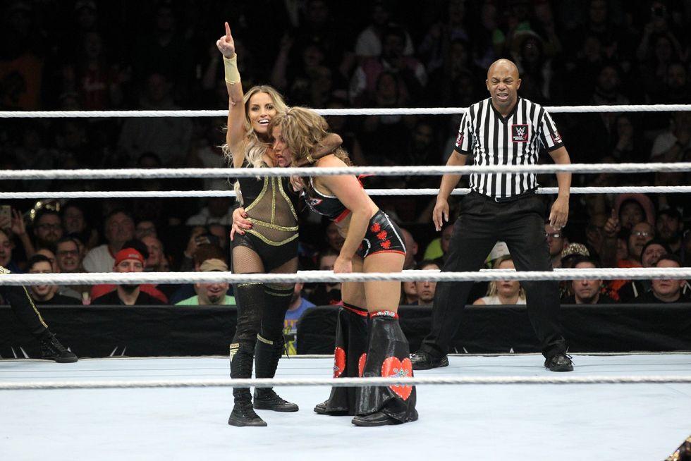 Trish Stratus and Lita vs Mickie James and Alicia Fox