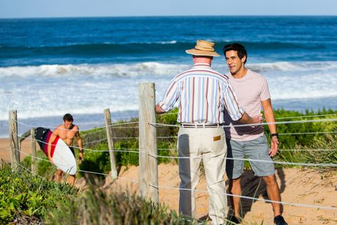 Alf Stewart and Justin Morgan search for Ryder in Home and Away