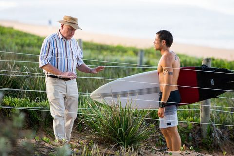 Alf Stewart tells Dean Thompson about Ryder in Home and Away