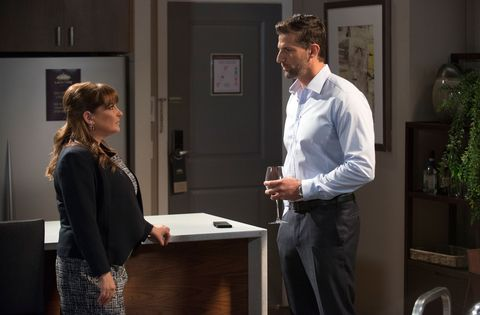 Terese Willis has a proposition for Pierce Greyson in Neighbours