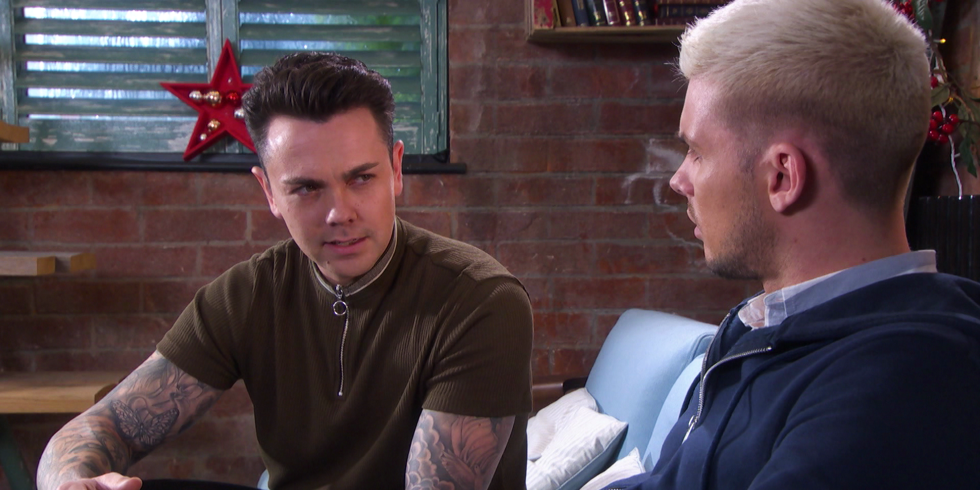 Ray Quinn appears as Jonny (with Ste Hay) in the Hollyoaks winter trailer