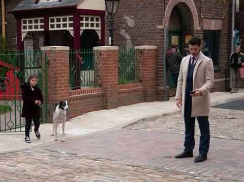 Hope Stape dognaps Evelyn Plummer's pet in Coronation Street