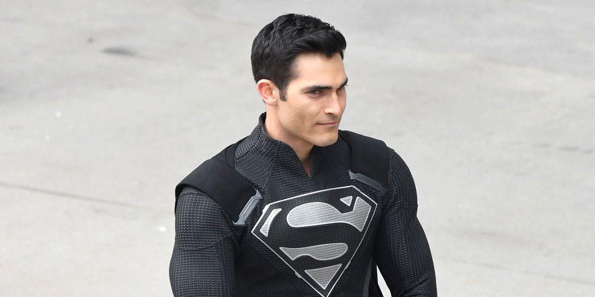 Download The Image Of The Evil Superman With Black Suit: DC UNIVERSE En CINE. Peliculas Y Series De DC En Pantalla