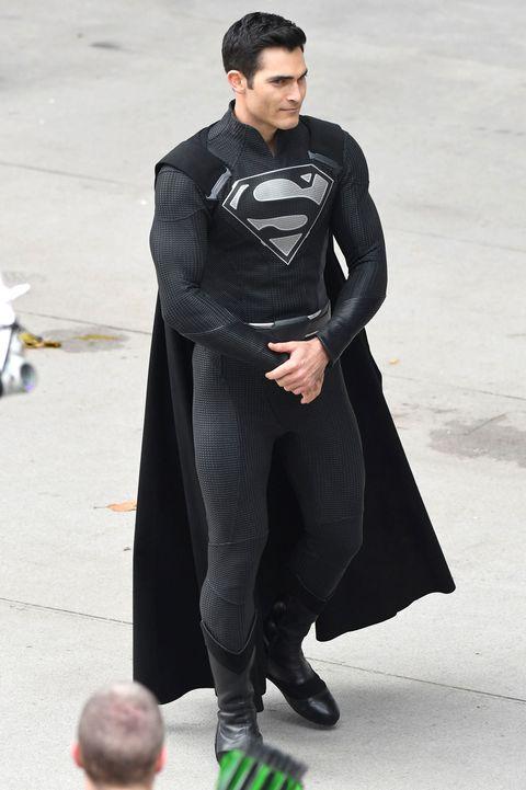 Superman's black suit explained: Why Tyler Hoechlin is ...  Superman's ...