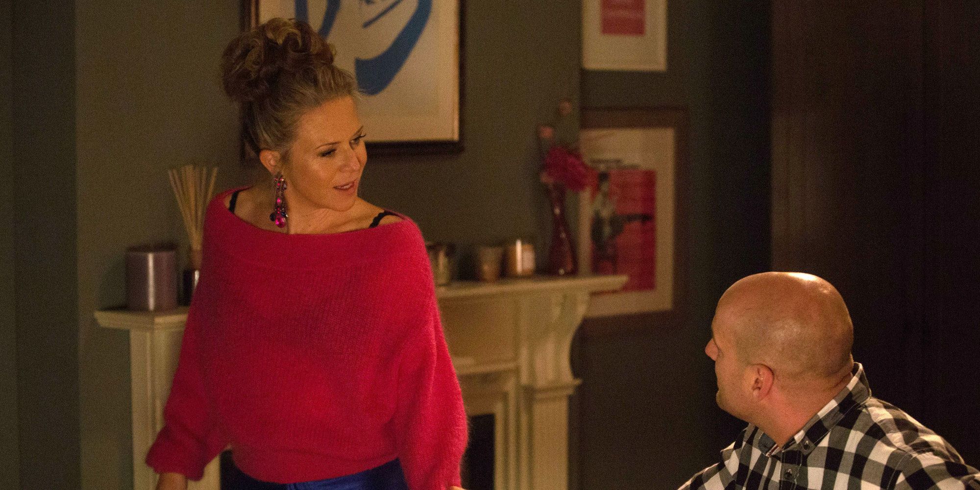 Linda Carter tries to get a confession out of Stuart Highway in EastEnders
