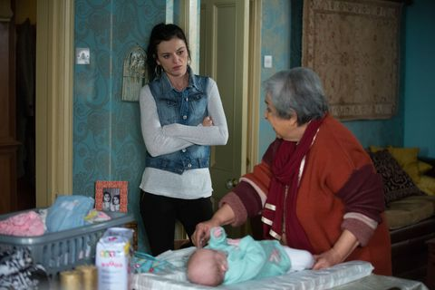 Hayley Slater moves in with the Ahmeds in EastEnders