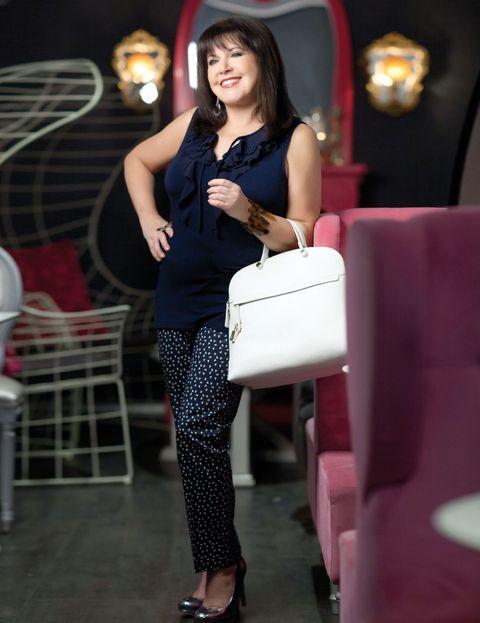 Leg, Shoulder, Joint, Bag, Fashion accessory, Fashion, Beauty, Luggage and bags, Street fashion, Design,