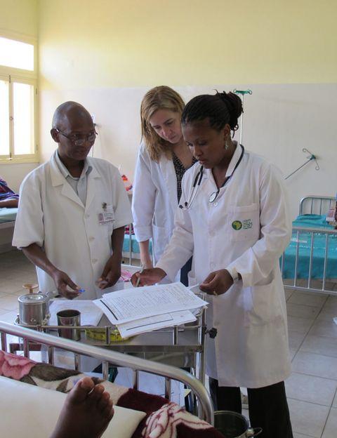 White coat, Health care provider, Uniform, Service, Job, Laboratory, Medical assistant, Physician, Employment, Laboratory equipment,