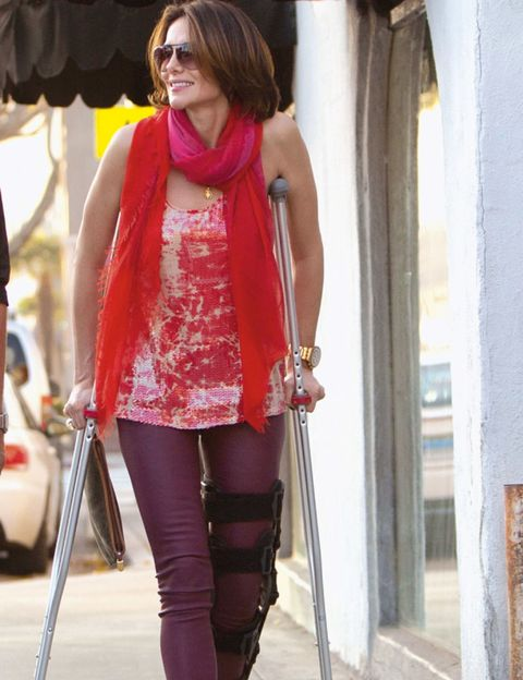 Textile, Outerwear, Pink, Style, Fashion accessory, Magenta, Street fashion, Waist, Tights, Active pants,