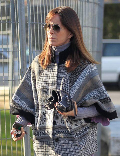 Clothing, Eyewear, Vision care, Glasses, Textile, Sunglasses, Outerwear, Style, Street fashion, Fashion accessory,