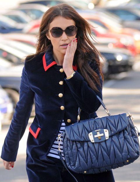 Eyewear, Glasses, Vision care, Sleeve, Sunglasses, Collar, Textile, Bag, Outerwear, Coat,