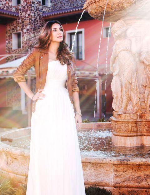 Clothing, Dress, Sleeve, Shoulder, Formal wear, Gown, Bridal clothing, Wedding dress, Beauty, Fashion model,