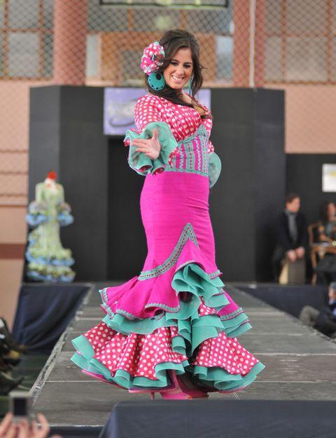 Entertainment, Pink, Performing arts, Magenta, Dress, Fashion, Costume design, Costume, Dancer, Performance art,
