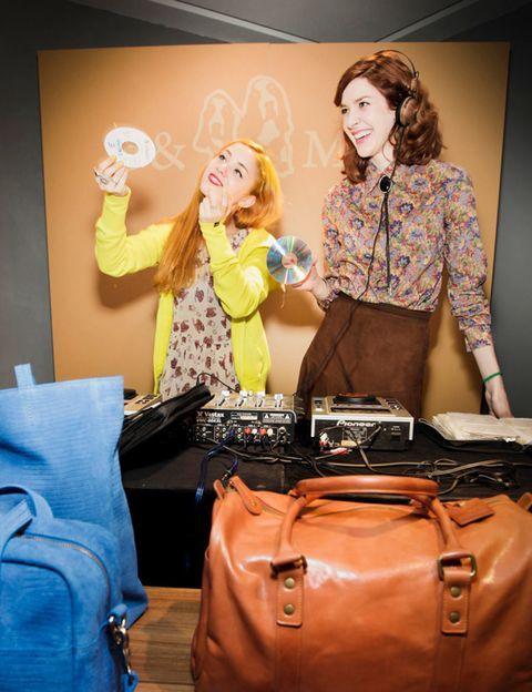 Brown, Bag, Luggage and bags, Fashion, Shoulder bag, Baggage, Leather, Fashion design, Hand luggage,
