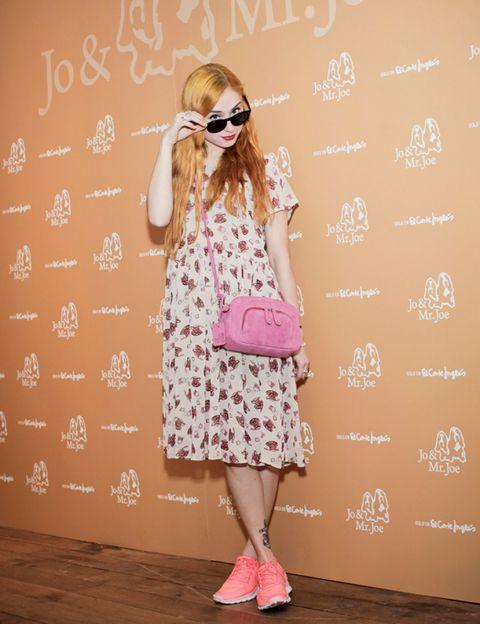Clothing, Eyewear, Glasses, Sleeve, Textile, Sunglasses, Outerwear, Fashion accessory, Pink, Bag,