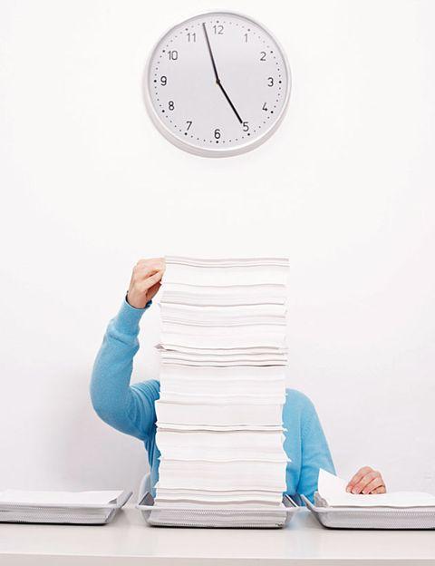 Wall clock, Clock, Home accessories, Circle, Paper, Quartz clock, Paper product, Towel, Number,
