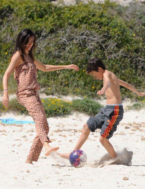 Ball, Leg, Fun, Sports equipment, Ball game, Team sport, People in nature, Summer, Football, Playing sports,
