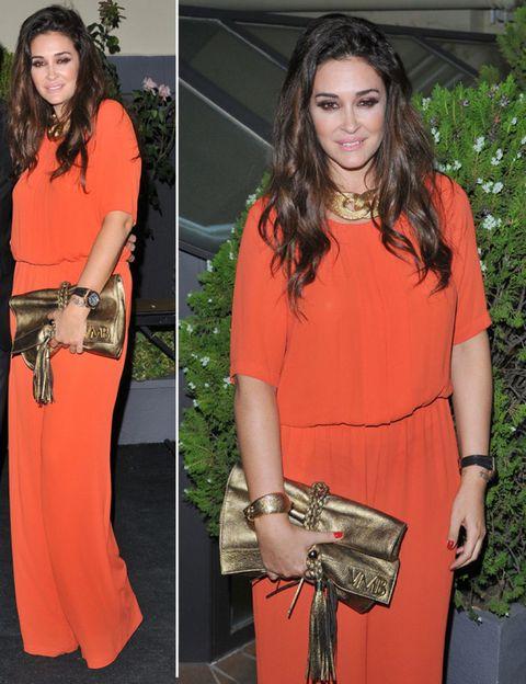 Clothing, Shoulder, Fashion accessory, Bag, Style, Orange, Fashion, Neck, Maroon, Long hair,