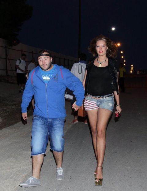 Clothing, Footwear, Leg, Blue, Denim, Trousers, Human body, Human leg, Textile, Shirt,
