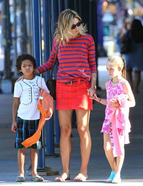 Clothing, Child, Summer, T-shirt, Shorts, Street fashion, Fashion, Bag, Bermuda shorts, Sunglasses,
