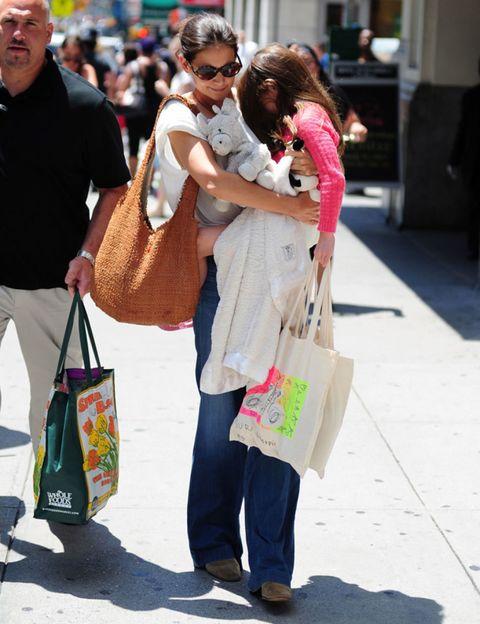 Bag, Style, Luggage and bags, Sunglasses, Fashion, Travel, Street fashion, Shopping bag, Snapshot, Shopping,