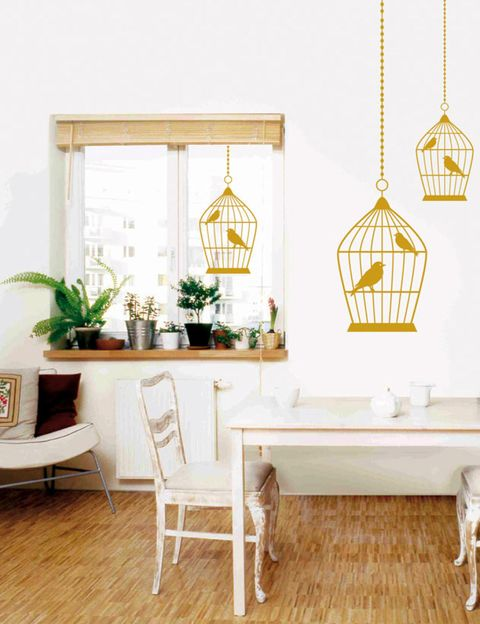 Wood, Interior design, Room, Floor, Flooring, Furniture, Flowerpot, Hardwood, Wood flooring, Table,