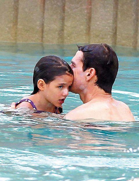 Ear, Fun, Water, Leisure, Swimming pool, Summer, Liquid, Interaction, Muscle, Love,