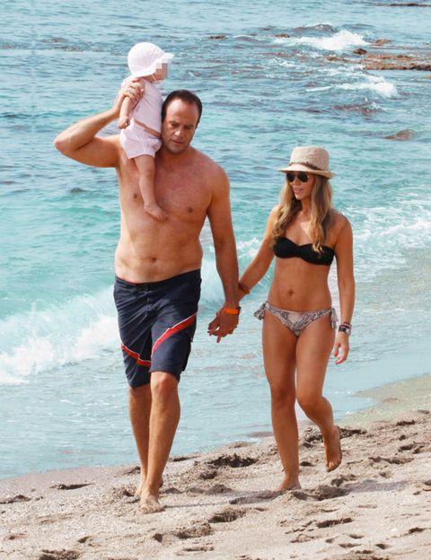 Leg, Fun, Human body, Water, People on beach, Brassiere, Hand, Standing, Summer, Beach,