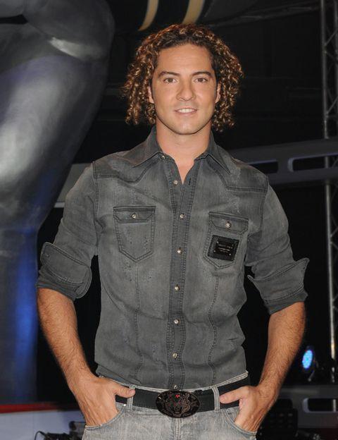Dress shirt, Denim, Human body, Jeans, Shirt, Textile, Standing, Collar, Pocket, Chest,