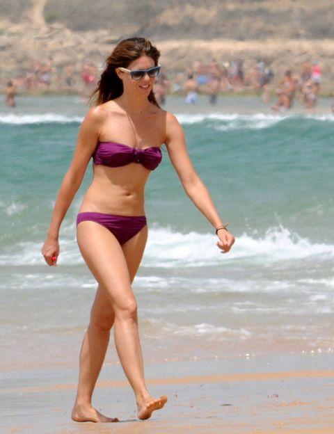 Leg, Brassiere, Fun, Human body, Human leg, Shoulder, Swimwear, Joint, Swimsuit top, Summer,