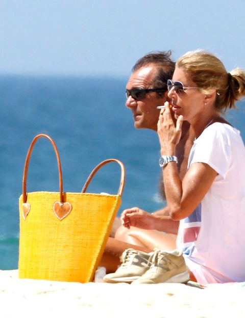 Eyewear, Glasses, Vision care, Goggles, Sunglasses, Tourism, Summer, People in nature, Fashion accessory, Bag,