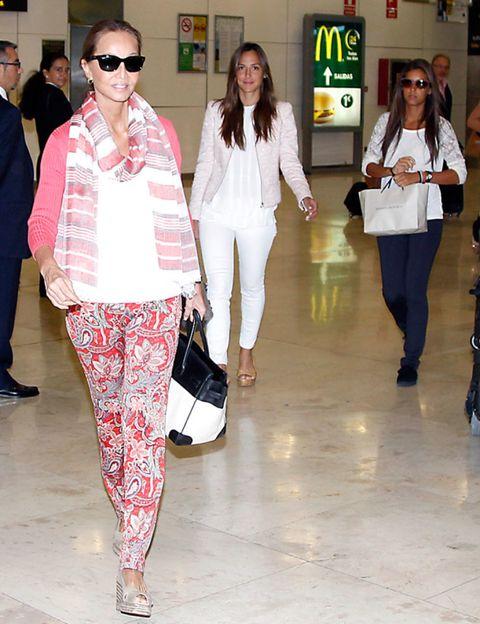 Clothing, Eyewear, Footwear, Leg, Vision care, Trousers, Shirt, Textile, Outerwear, White,