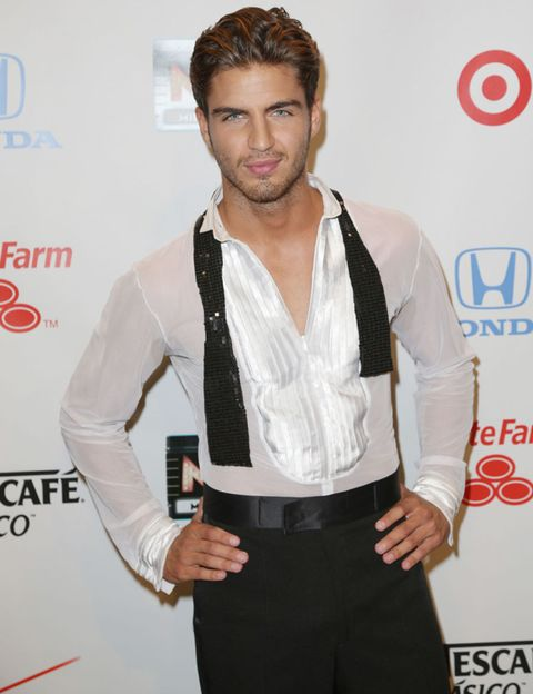 Sleeve, Dress shirt, Collar, Style, Logo, Facial hair, Fashion, Belt, Beard, Waist,