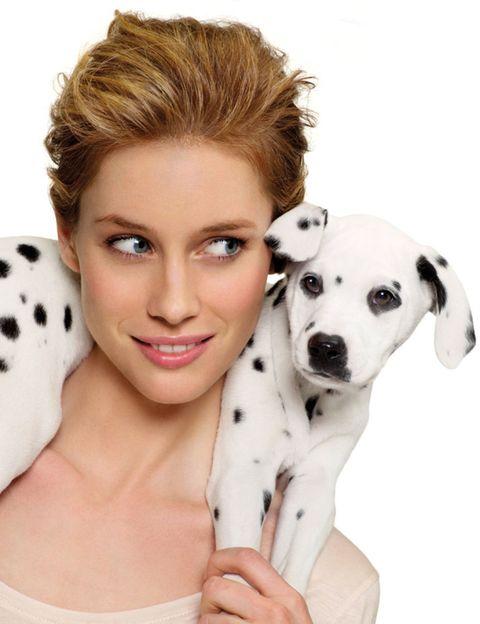 Eye, Skin, Dog breed, Dog, Carnivore, Eyelash, Mammal, Style, Jaw, Iris,