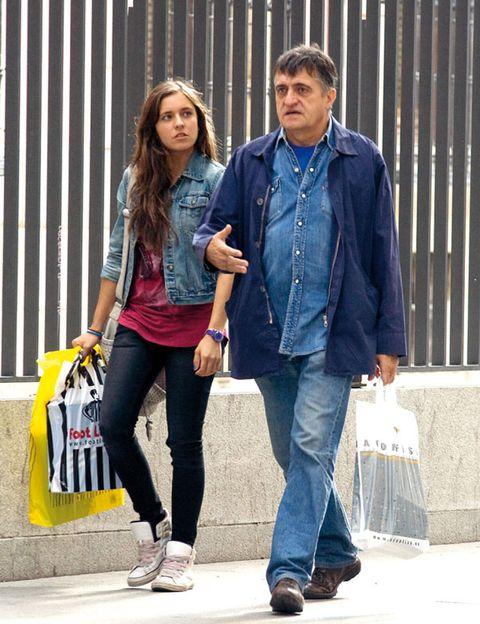 Clothing, Footwear, Leg, Trousers, Denim, Shirt, Textile, Shoe, Bag, Outerwear,