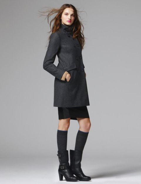 Clothing, Sleeve, Shoulder, Collar, Textile, Human leg, Joint, Outerwear, Coat, Style,