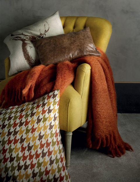 Textile, Cushion, Throw pillow, Pillow, Linens, Comfort, Home accessories, Natural material, Velvet, Bedding,