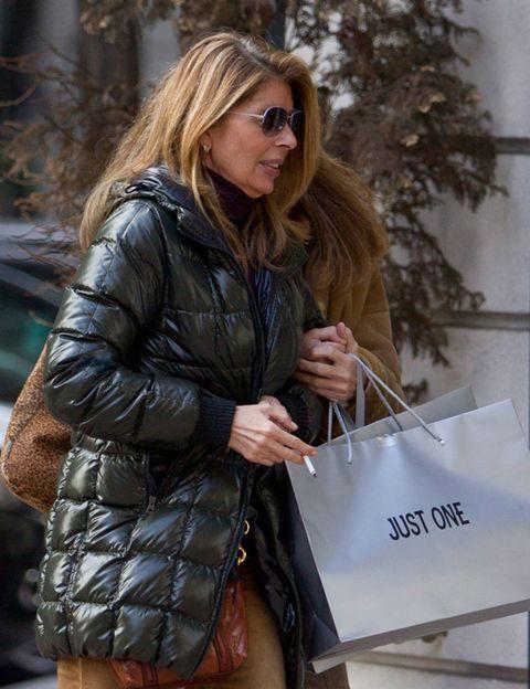 Jacket, Textile, Coat, Outerwear, Bag, Sunglasses, Street fashion, Fashion, Beauty, Leather,