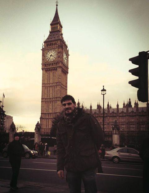 Clock tower, Tower, Landmark, Steeple, Street light, Travel, Spire, Clock, Pedestrian, Metropolis,