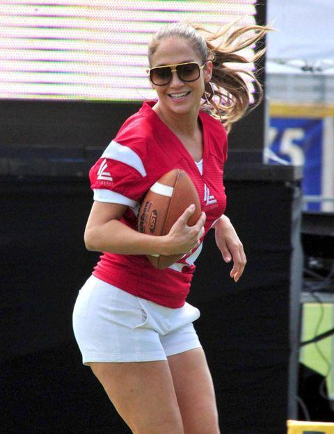 Ball, Sports equipment, Team sport, Ball game, Sports, Football, Playing sports, Thigh, Ball, Rugby ball,