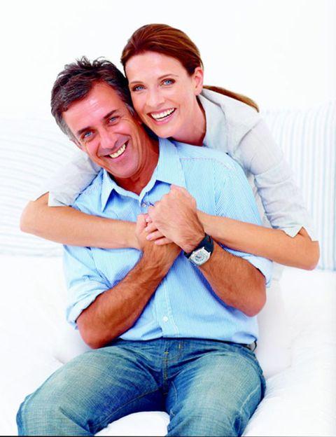 Smile, Finger, Comfort, Eye, Human body, Shoulder, Denim, Sitting, Jeans, Joint,