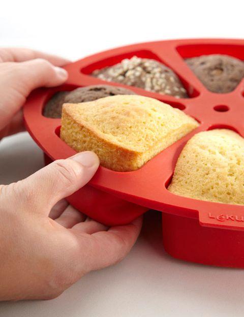 Finger, Food, Finger food, Hand, Baked goods, Bread, Cuisine, Recipe, Nail, Snack,