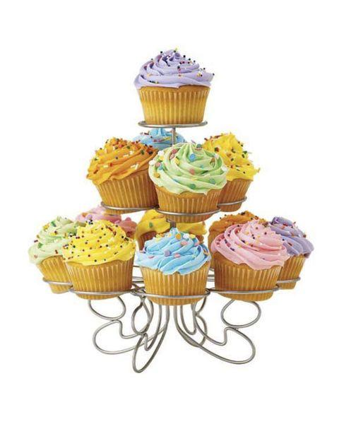 Cupcake, Food, Dessert, Cake, Sweetness, Cake decorating supply, Baked goods, Baking cup, Cake decorating, Recipe,
